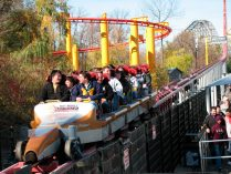 Vagones del Top Thrill Dragster